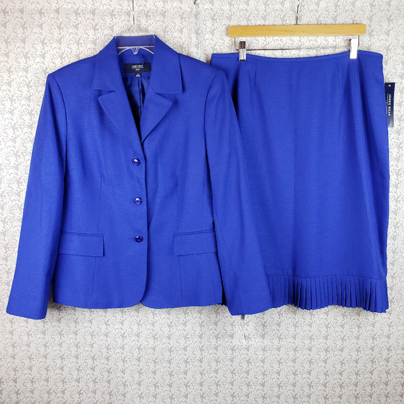 Jones Wear Dresses & Skirts - Jones Wear Blue 2 PC Piece Suit Skirt Jacket